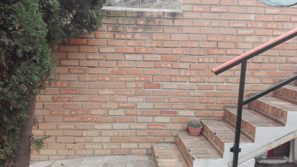 Estado inicial, grietas en el muro